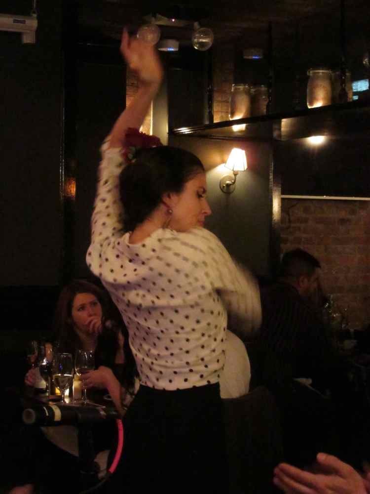 ny2060-flamenco dancer