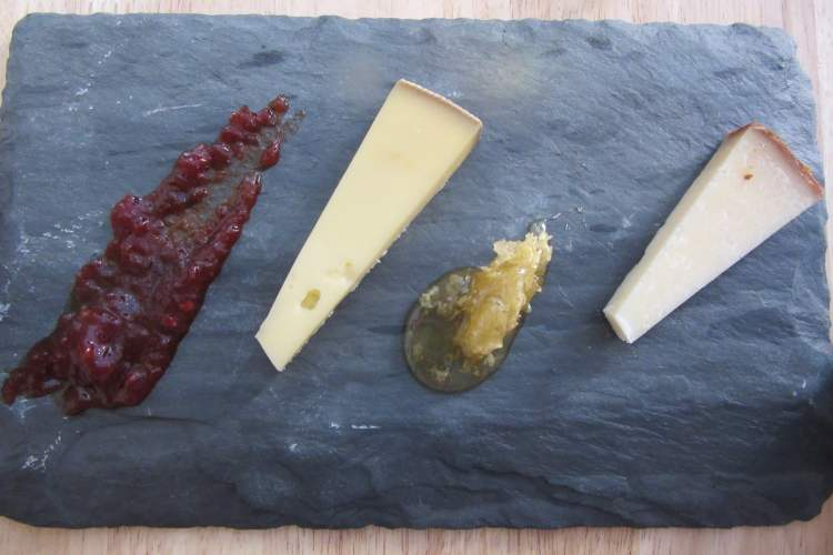 ctmy111-happy hour cheese slate