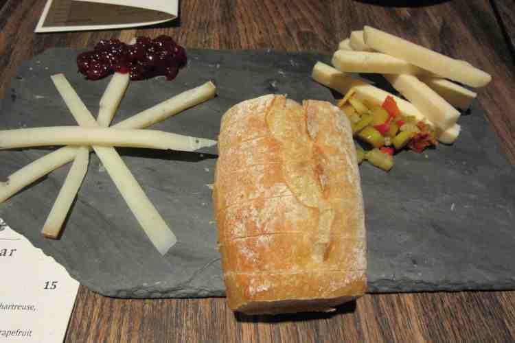 ctmy121-happy-hour-cheese